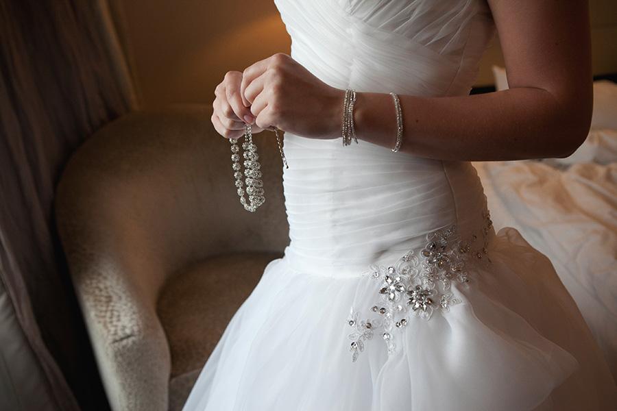 Elvira Azimova photographer wedding details decor